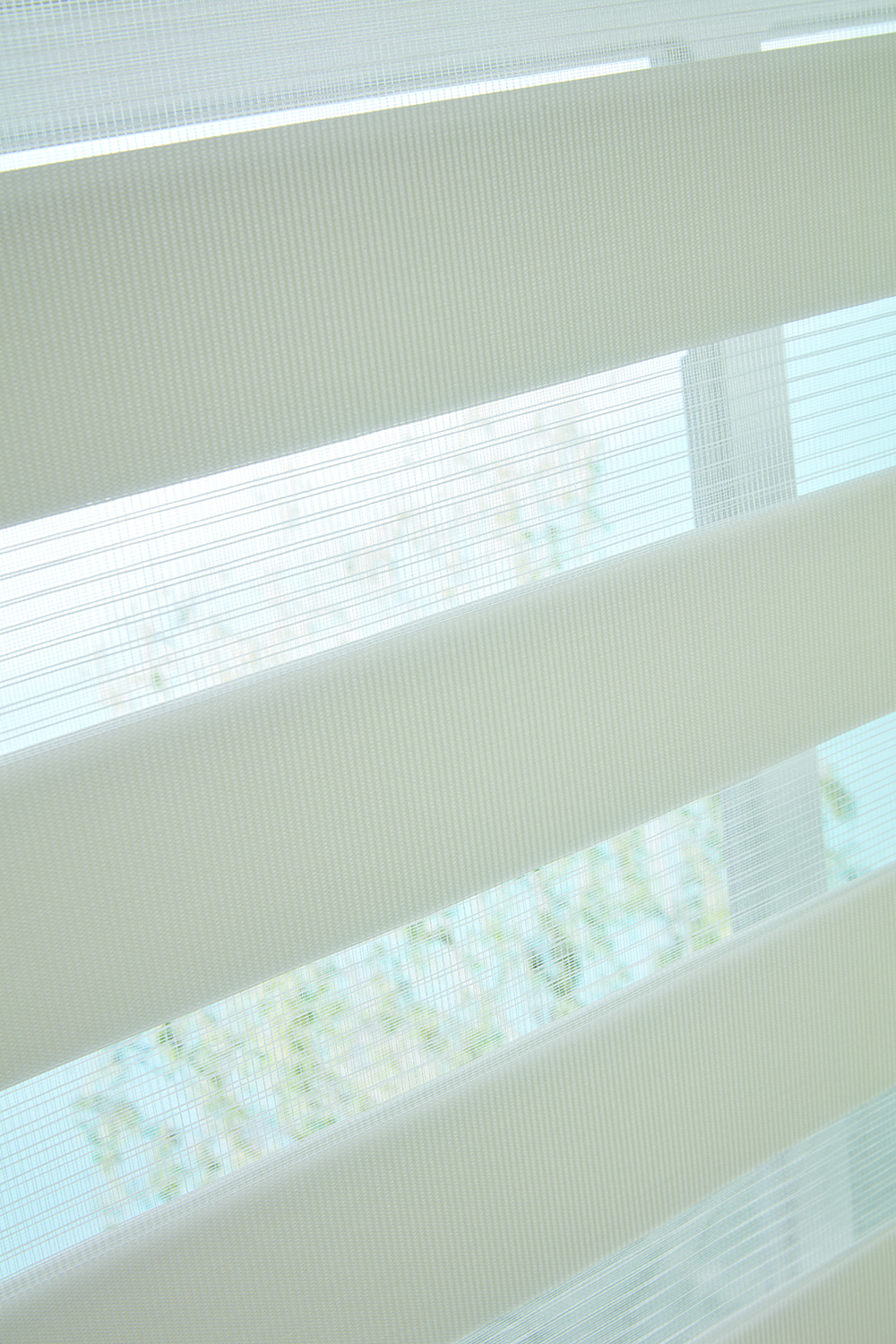Capri Stone Vision Blind Close up