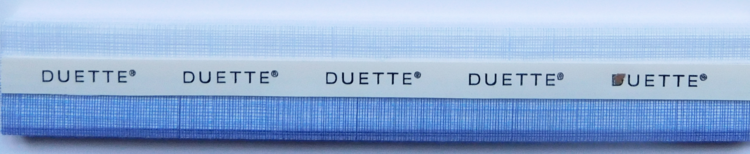 Batiste Sheer Mountain Lake Duette Blind fabric sample