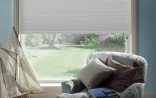 Duette Bone 32 mm Blackout blind