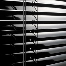 Venetian Blind 1803 -Black slats close up