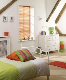 Venetian Blinds 5752 25 mm recess fitted in a bedroom