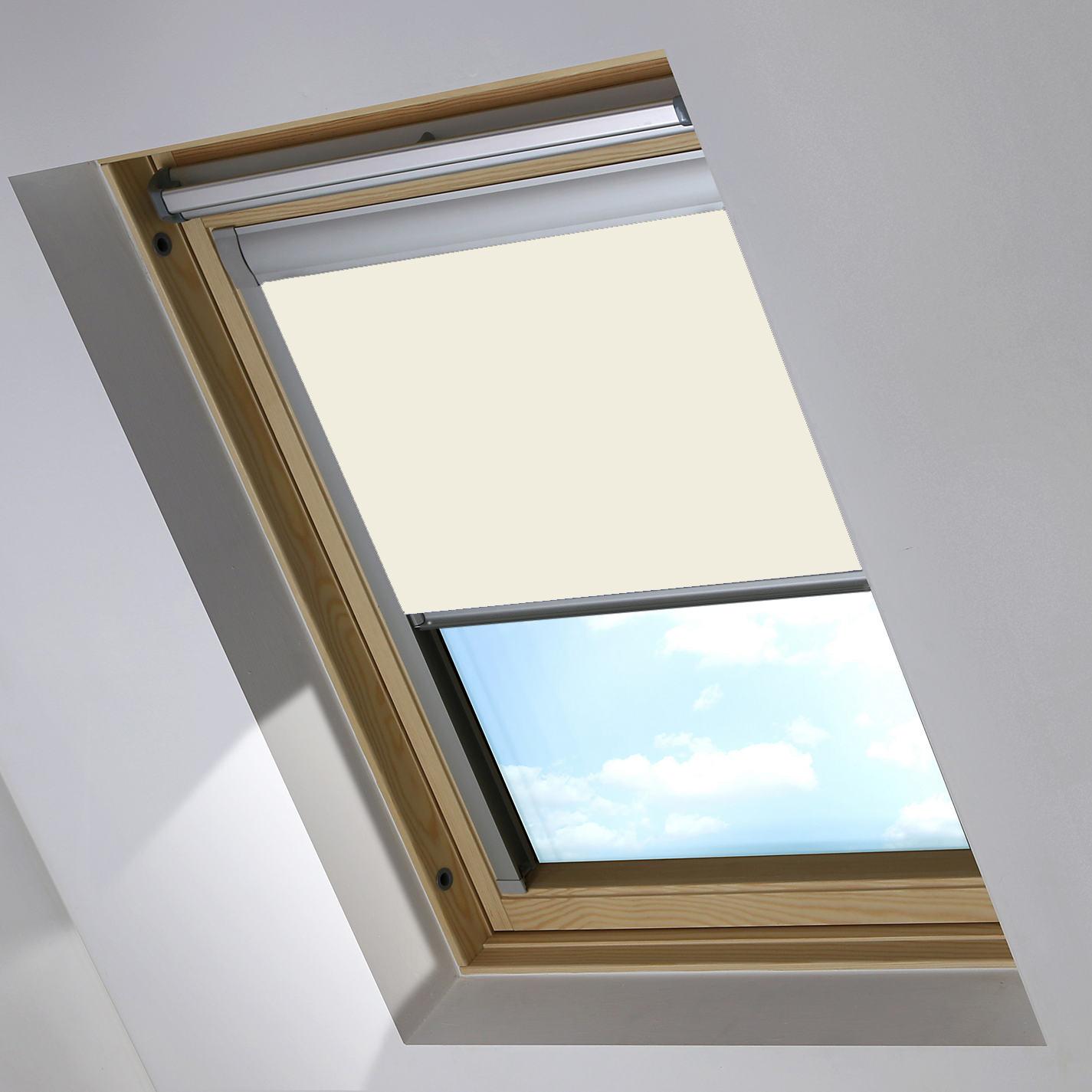 0017-002 Bog Cotton Skylight blind partially open