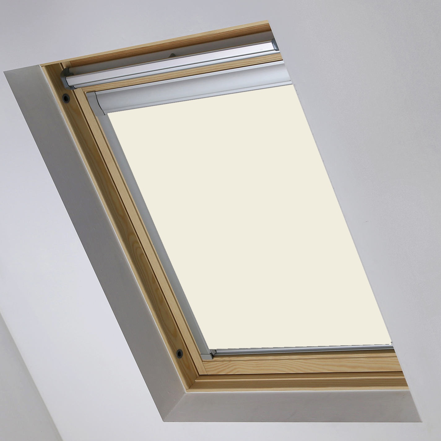 0017-002 Bog Cotton Skylight blind fully closed