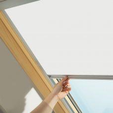 Velux-1025-white skylight blind