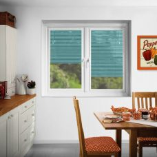 Perfect fit Venetian blinds in slats 2747 25 mm trend finish in a kitchen