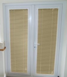 Perfect-fit-Venetian Blinds in slat 4642-25-amo-trend fitted to two UPVC doors