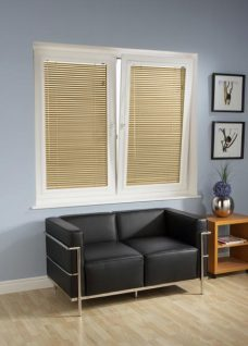 Perfect-fit-Venetian-4778-25-amo-textured blinds in tilt and turn windows