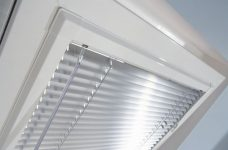 Perfect Fit Venetian Blinds in Metallic Silver Slat 7000 close up