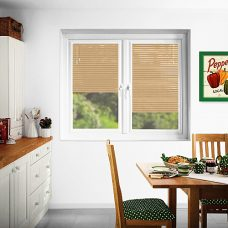 Perfect fit Venetian Blinds in slat 7903 25 mm in a kitchen