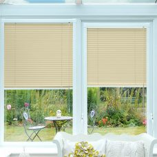 Perfect-fit Venetian 8200-25-amo-textured blinds