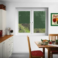 Green Perfect-fit-Venetian blinds In Slat-9221-25 mm and pearl finish in a kitchen
