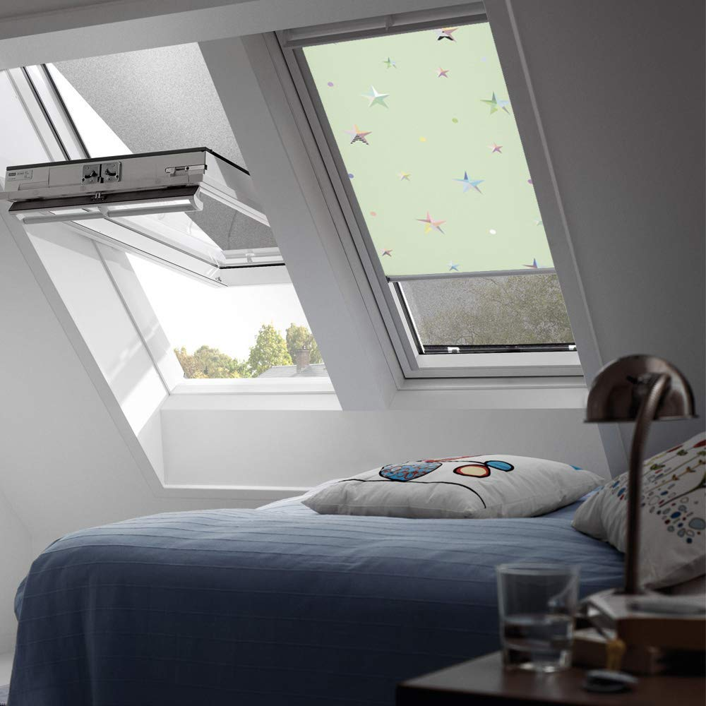 Velux 4661 Green Stars blind 2