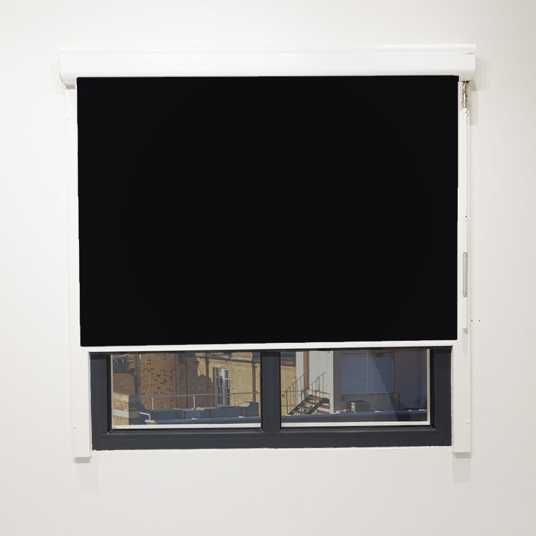 Eden Onyx Cassette Blind With Crank